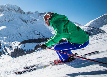 Skifahrer in Lech
